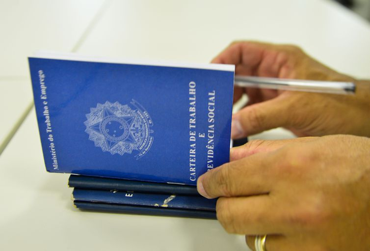 governo prorroga programa de reducao de salario e jornada de trabalho