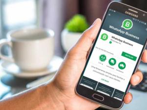 brasileiros usam cada vez mais o celular para compras e pagamentos